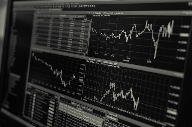 """בנקאות למטבעות דיגיטליים: ארה""""ב, אירופה ואנגליה"""